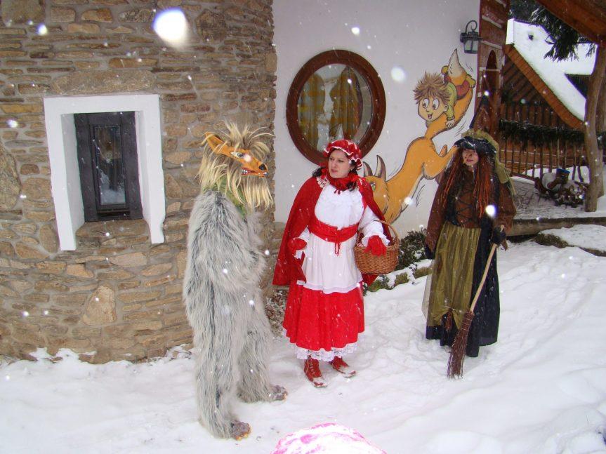 Sobotní prohlídka Pohádkové vesničky s pohádkovými bytostmi