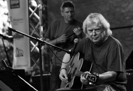 Vladimír Mišík & ETC + Ivan Hlas Trio -Legendy českého rockového písničkářství na jednom podiu.